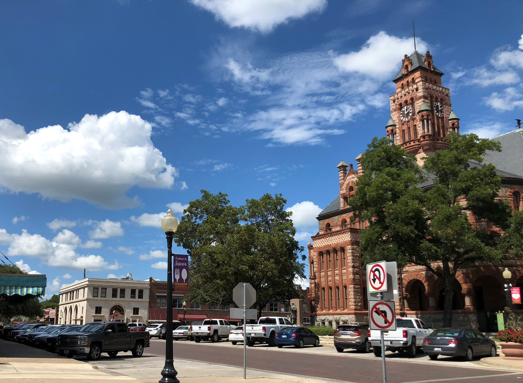 Downtown Waxahachie Shopping & Dining
